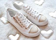 White Sneakers Flat One Way